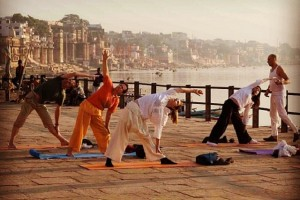 yoga-at-varanasi-ghats